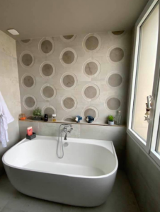 Rénovation salle de bain, faïences, décoration intérieure, carrelage