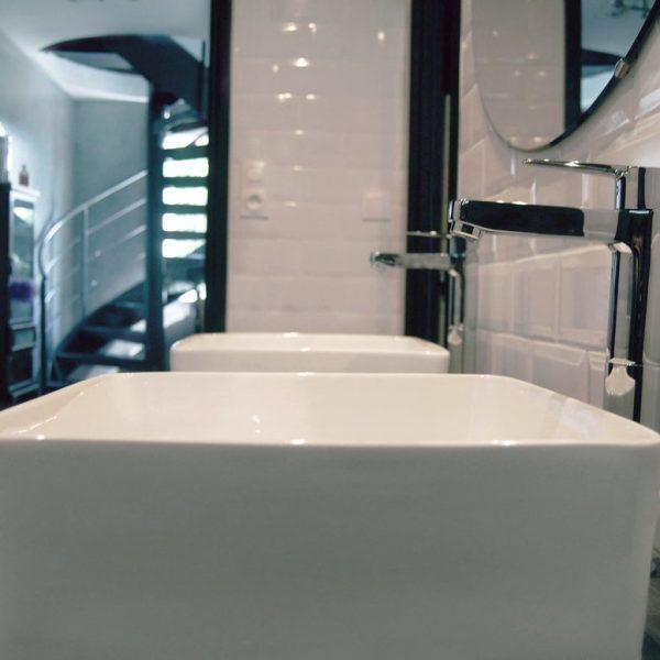 1-raynov-salle_de_bain-renovation-design-robinet-lavabos